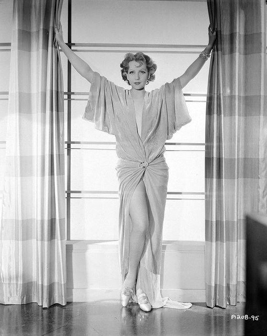 Juliette Compton #Juliette Compton#old hollywood#movie stars#legends#iconic#vintage#glamour#old cinema#golden era #hollywood golden age #classic hollywood#hollywood#stars#photos