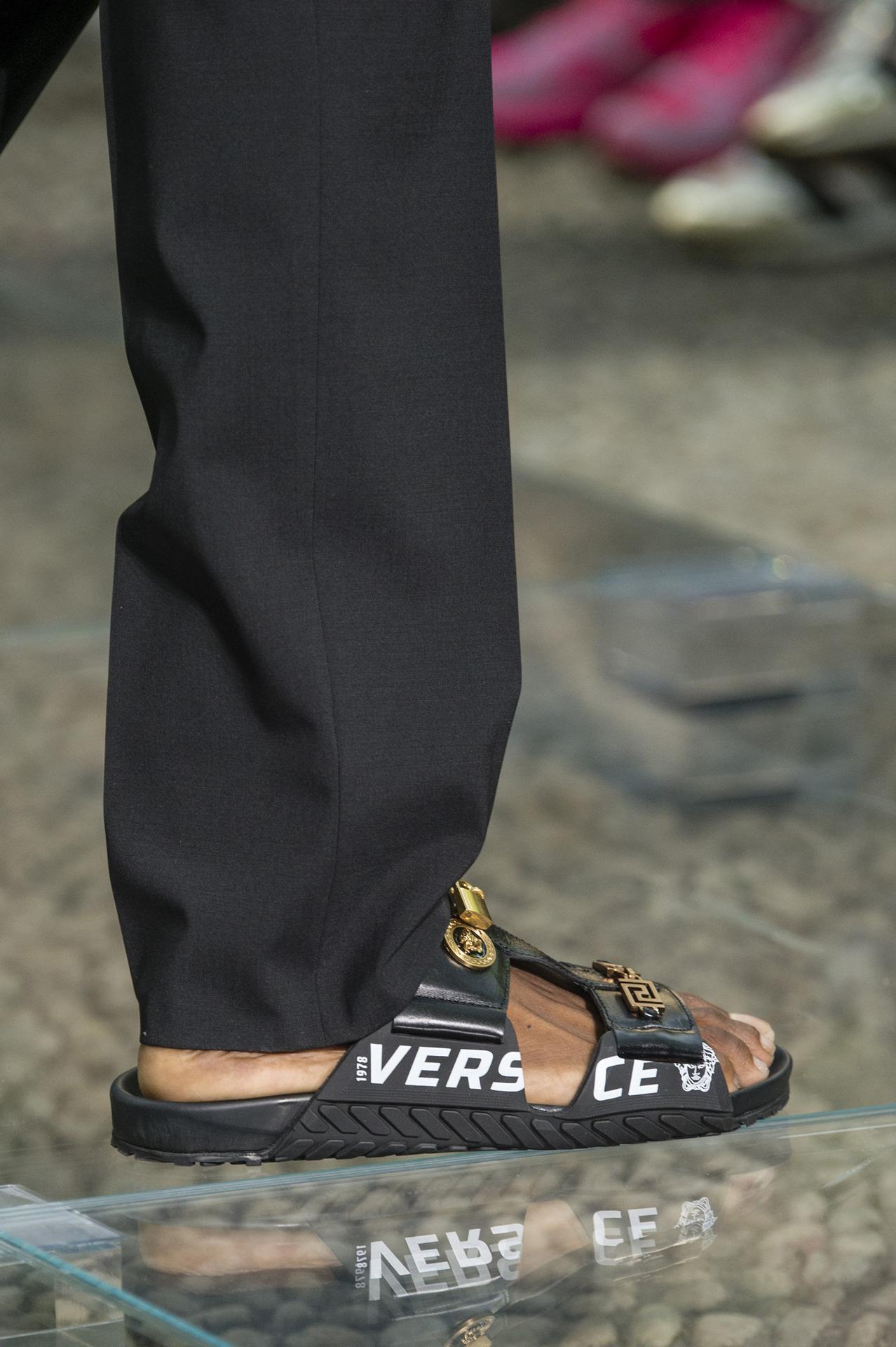 Versace Menswear Spring 19