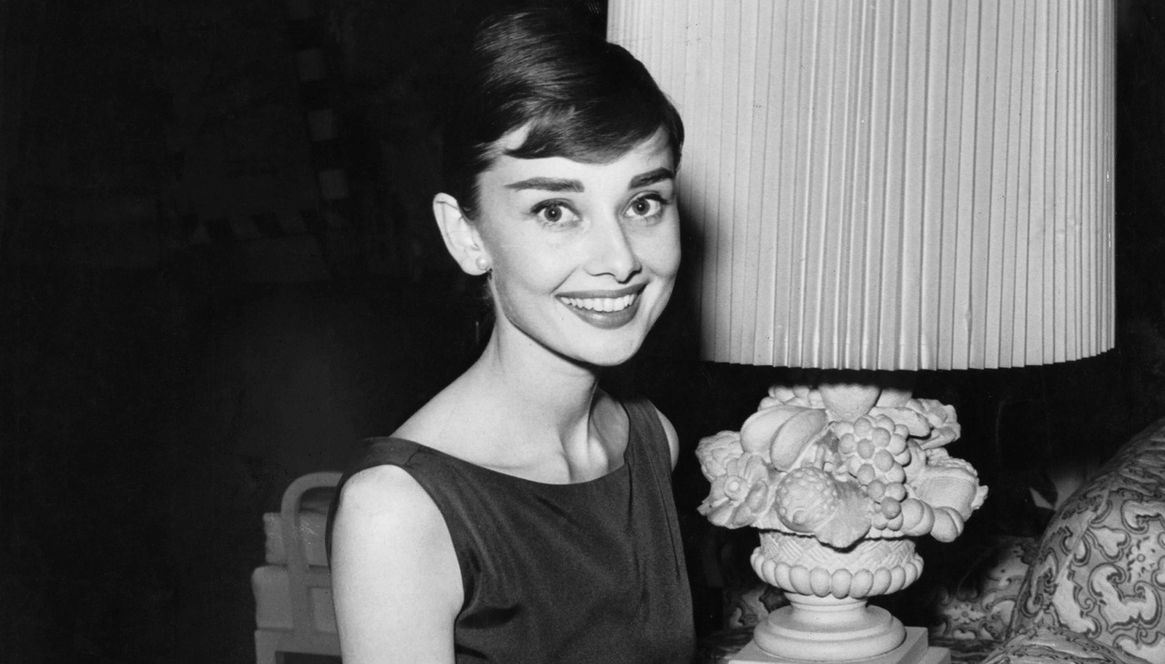 Kisah kelam dibalik tubuh mungil Audrey Hepburn