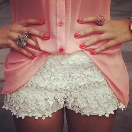 rings pink nails want to wear pretty white shorts pink bluse
