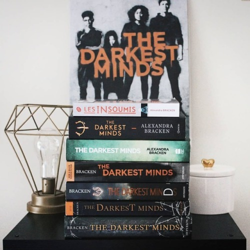 thedarkestminds buttermybooksblogs bookstack tdm bookstagram alexandrabracken bookstagramfeatures read darkestminds tdmmovie vsco