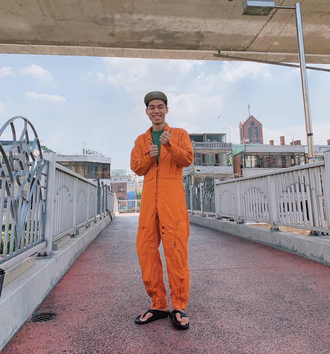 internet finds #overalls#coveralls#jumpsuit#workwear#work wear#cool#cool look#orange overalls#street style#friends
