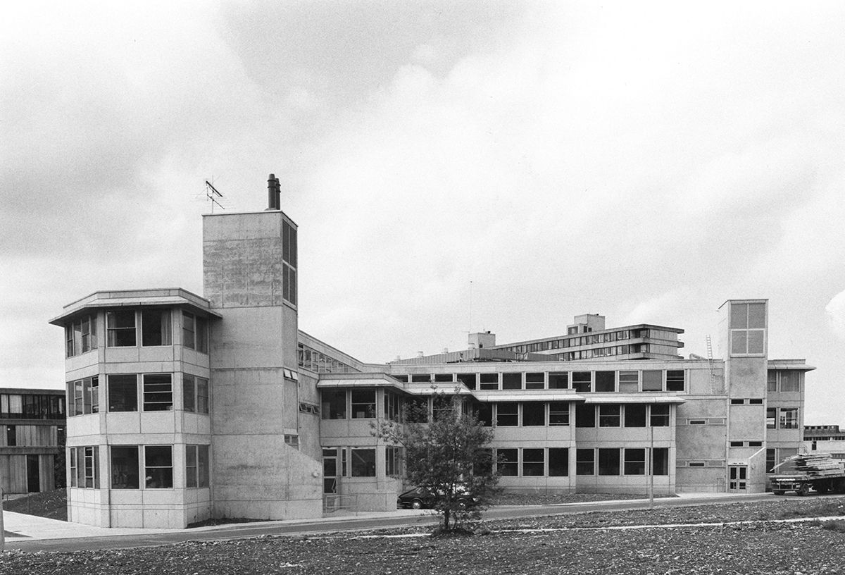 Second Arts Building (1979-81) of the University in Bath, England, by Alison & Peter Smithson