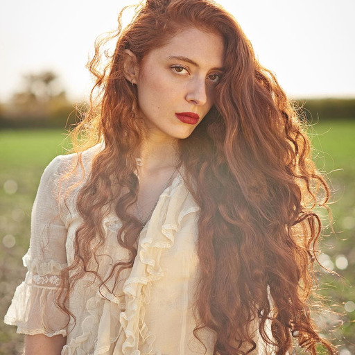 Scarlett Sabet London Poet — Sun conjunct, sextile or trine