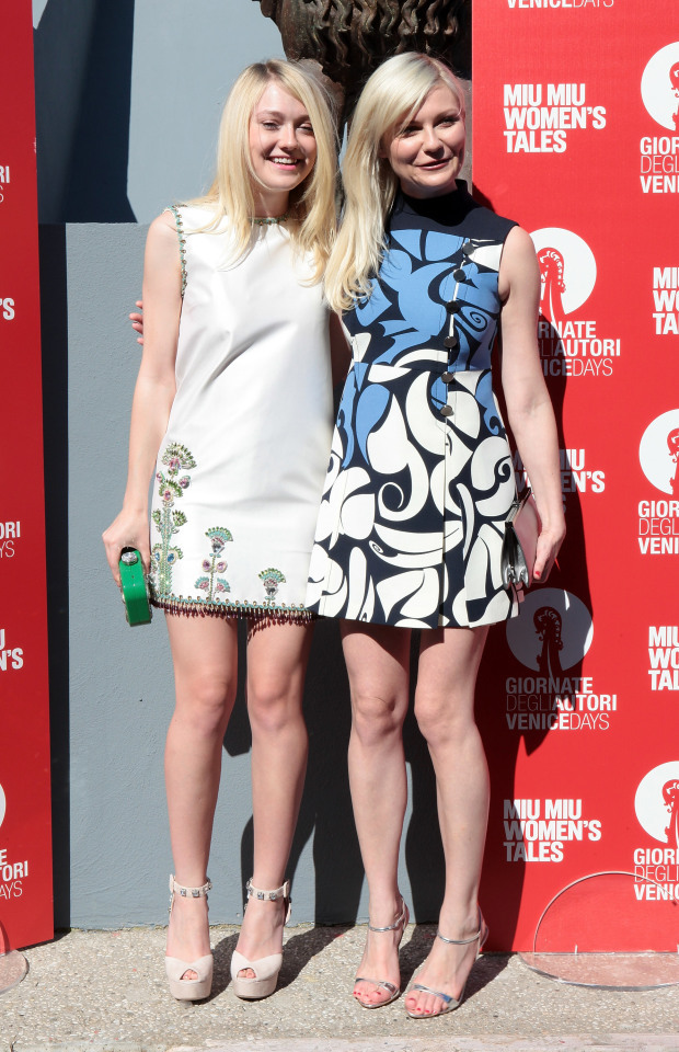 Kirsten Dunst with Dakota Fanning