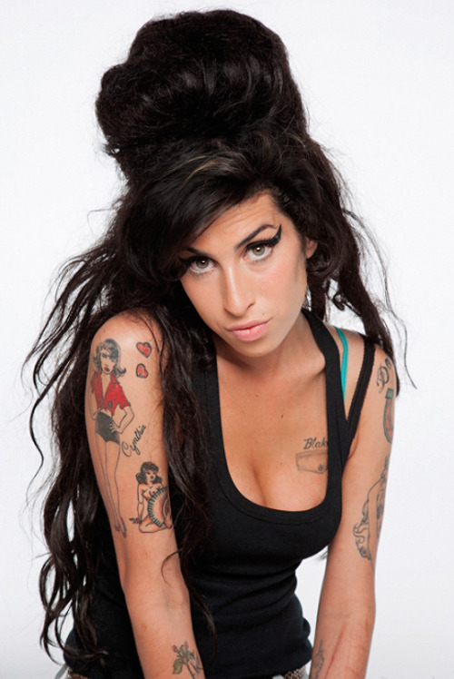Amy Winehouse iconic cover photograph for Rolling Stone magazine, June, 2007. #amy winehouse #amy jade winehouse #music#magazine#rolling stone#2007#b2b era#photoshoot#p