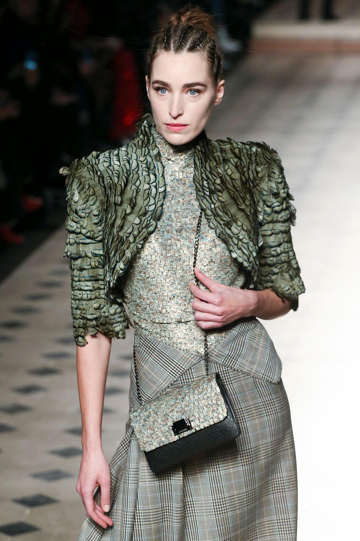 Julien Fournié Spring 2020 Haute Couture #julien fournie #spring 2020 couture #haute couture#runway details#renata scheffer