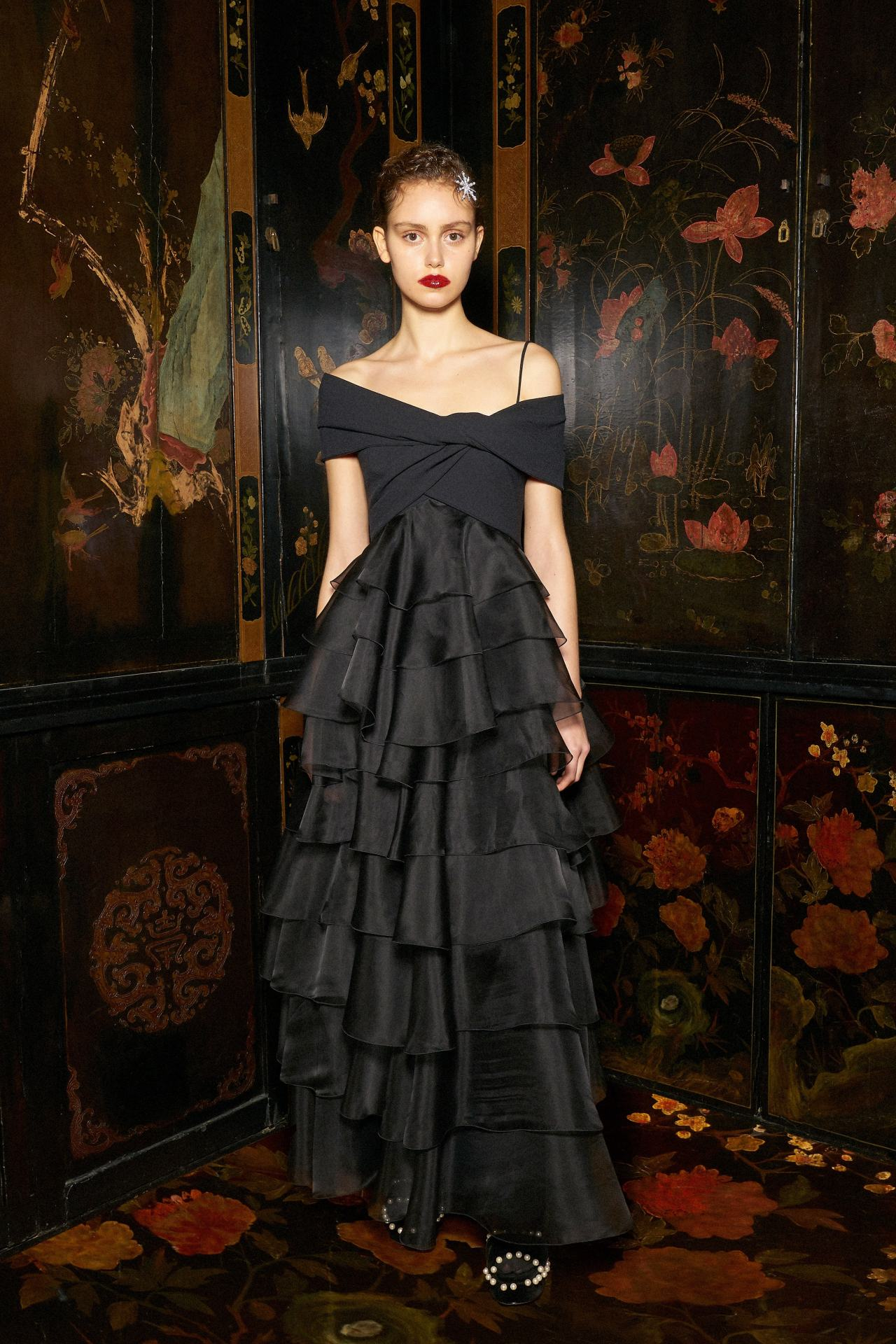 #dress#long dress#black dress#model#giambattista valli#fashion#style#trend#glam#glamour