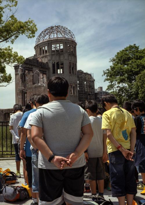 Bearing the Weight [Hiroshima, Japan, 2016]