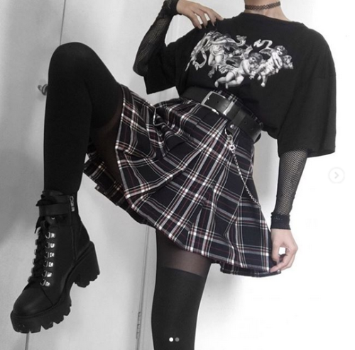 the-neko-soft-grunge:Instagram : Flatcetera - Ana Love your style! #grunge#rock#tartan#plaid#skirt#pleated#miniskirt#mini#boots#tights#belt#leather belt#chains