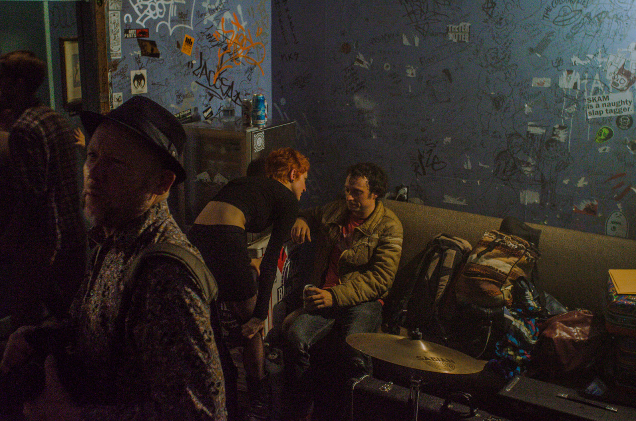 hhobbess:  backstage, seattleoct 2013