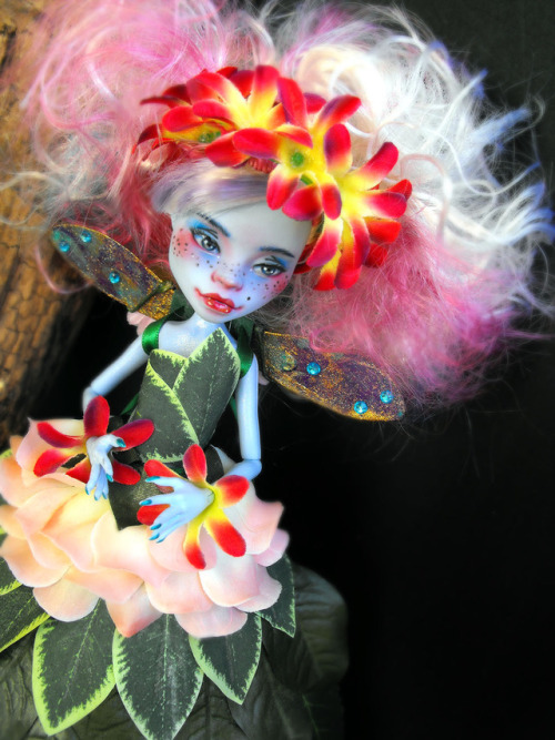 christmas sale etsy etsyshop etsyseller ooak ooakdoll ooakartdoll monster high abbey bominable clawdeen wolf doll dollphotography dollcollector dollcollection dollcommunity witch dragon dark elf fairy futuristic mh clawdeen mh custom repaint bjd bjdsale reroot