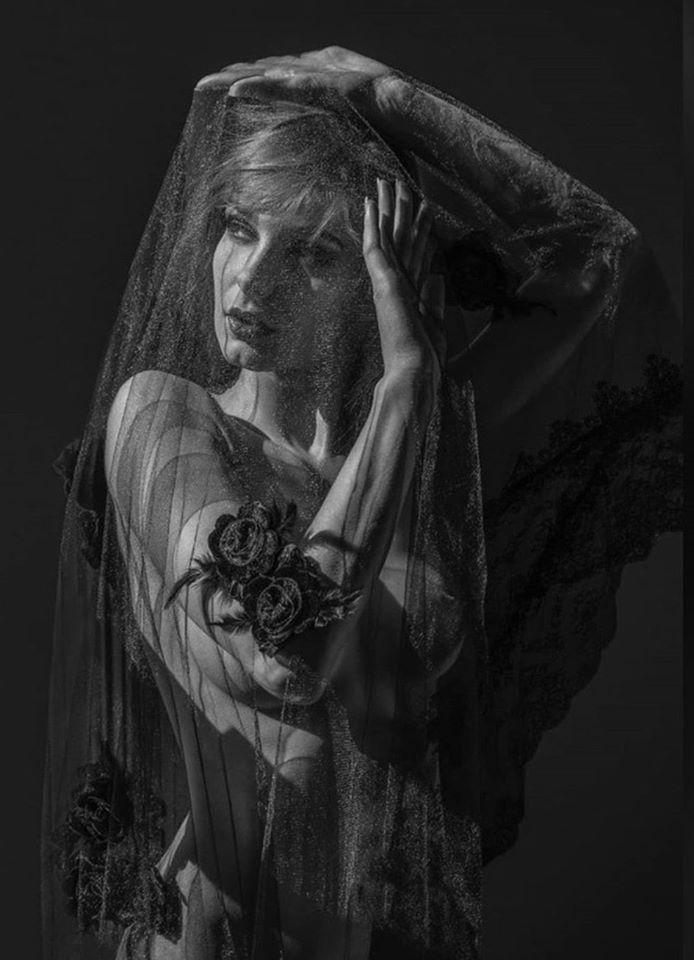 #veil#black roses #black and white #persephone