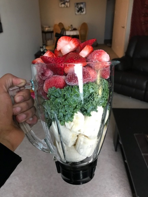 strawberry smoothies parfait food breakfast snack dessert no bake recipe color pink fruit oatmeal mothers day valentine realfoodbydad