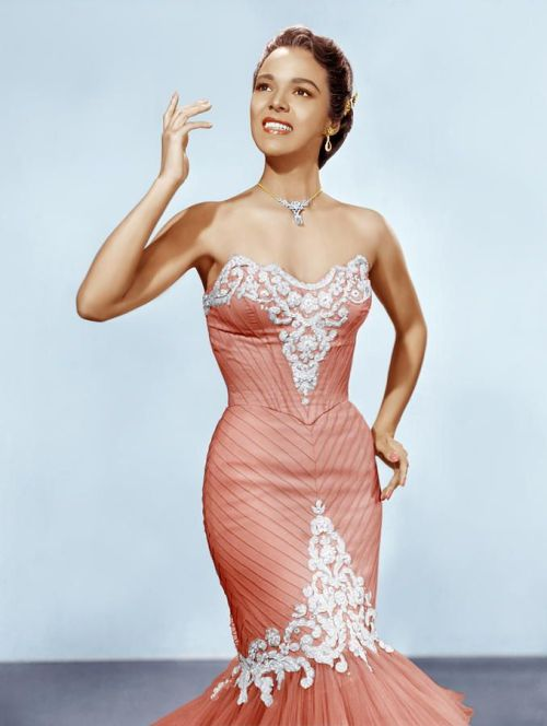 Dorothy dandridge additionally Oscars 2017 Red Carpet Dresses Best Dressed Celebrities At Oscars in addition Images likewise Inspiration 10 Faire Parts De Mariage Traditionnel additionally Weigh Aaliyahs Ballads. on john legend oscars