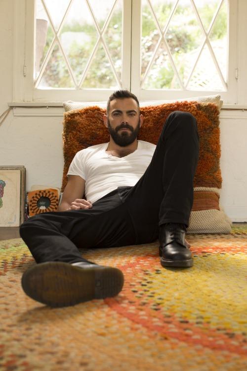 Matthew Risch Looking HBO LGBTQ gay actors Murray Bartlett TV Entertainment Celebs