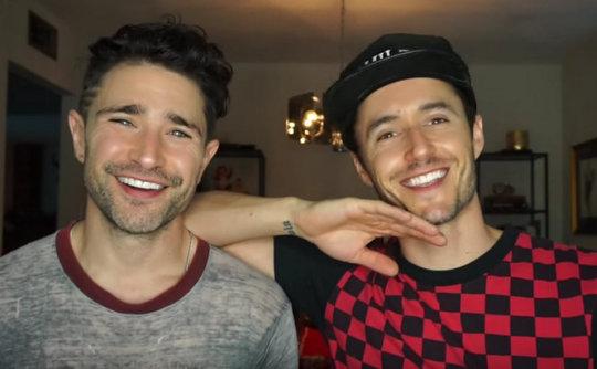 Matt Dallas raconte comment on lui a conseillé de se taire sur son homosexualité dans coming out tumblr_inline_pmnyecetvC1uj37u4_540