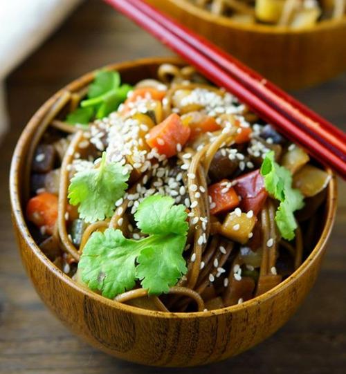 Sesame Stir Fry Noodles #food#noodles#sesame#stir fry #stir fry noodles #stir fried#asian food#tasty#delicious#yummy