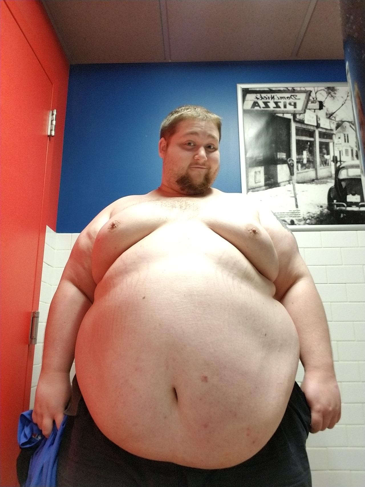 fat-man-wink