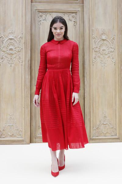 Hailee Steinfeld in Valentino. #Hailee Steinfeld#valentino#fashion#red carpet#Best Dressed#2016