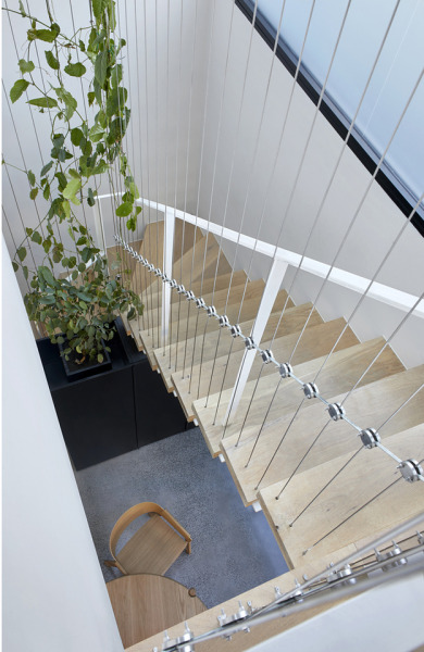 Cable House / Tom Robertson Architectsph: Tatjan Plitt