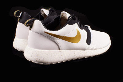 "check out effb6 b344e Nike Roshe Run HYP PRM ""Gold Trophy"""