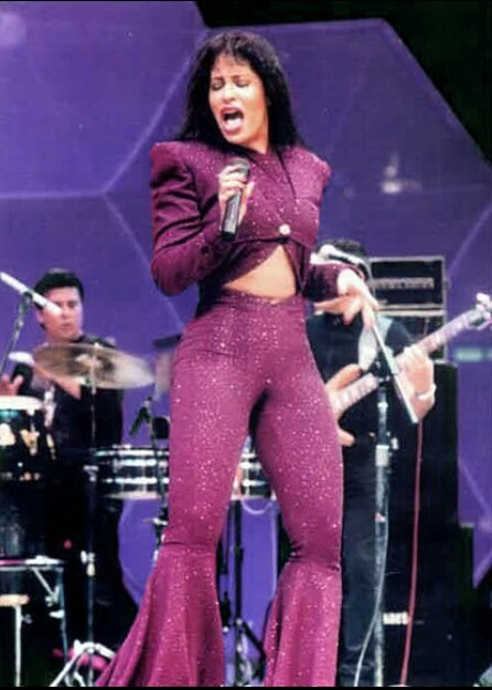 Selena Quintanilla Performed Her Last Concert 23... - Paco ...