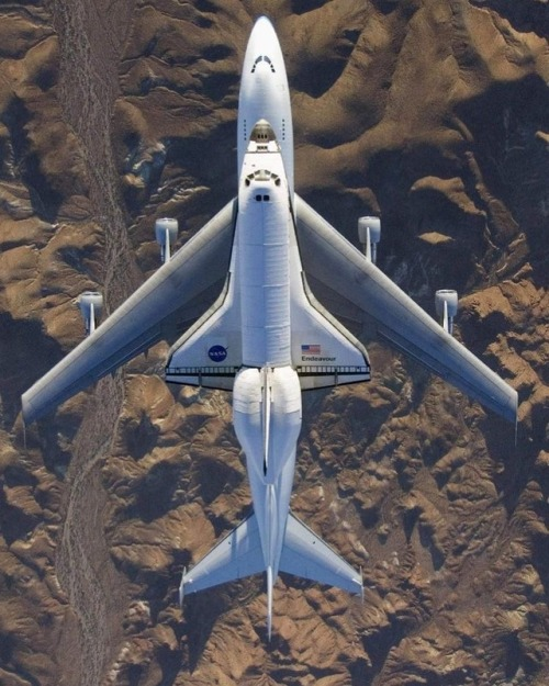 endeavour shuttle plane flight space shuttle nasa desert rocket space aerospace aeronautics flying space exploration science chemistry physics math engineering biology astronomy astrophysics aerial photography galaxy earth milkyway armstrong firstman mars space x