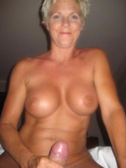 Mature Nude Women Fucking 46