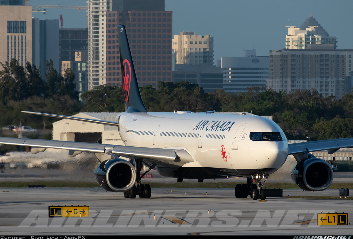 An Air Canada A330-300 taxiing at KFLL in new colors #planes#aviation#aircrafts#airports#aviationporn#airliners#airplane