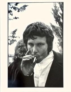 rockandrollpicsandthings:Jim Morrison, San Jose 1968