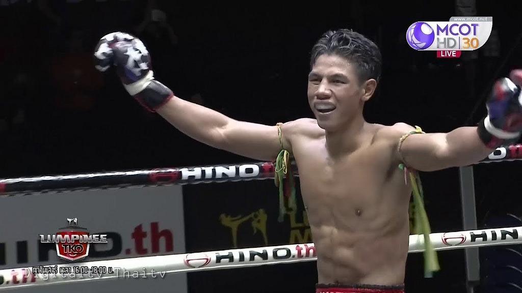 Liked on YouTube: ศึกมวยไทยลุมพินี TKO ล่าสุด 15 ธันวาคม 2561 Muaythai HD 🏆 youtu.be/z40GYdCdmnE