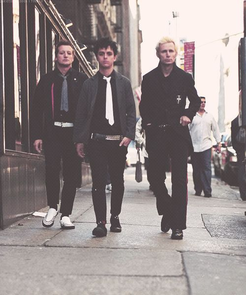 Holy bastards be looking beautiful tho #green day#tre cool #billie joe armstrong #mike dirnt