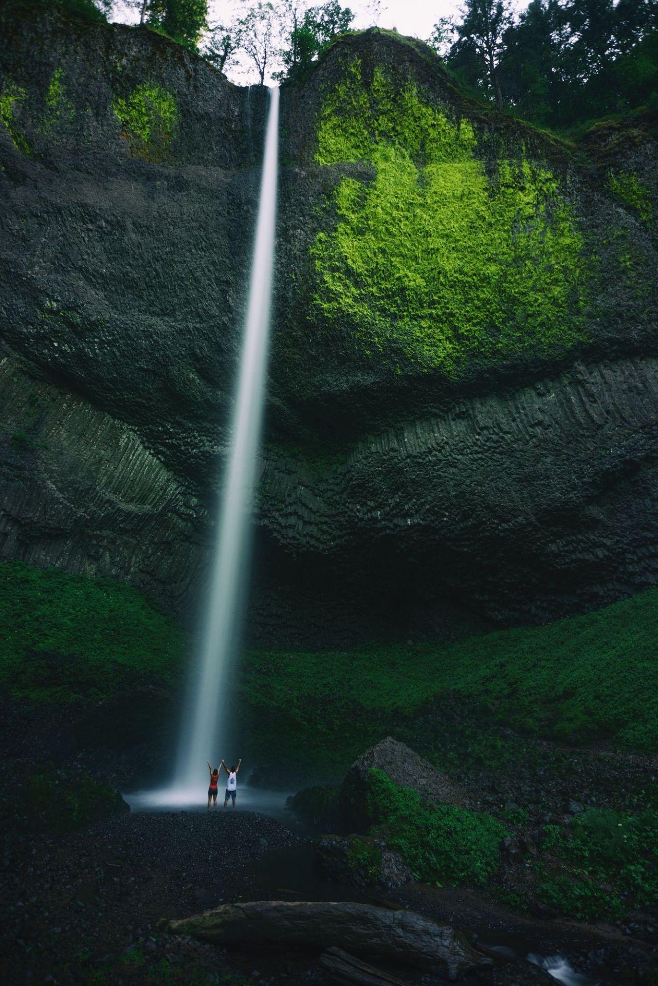Latourell Falls– Oregon (byMichael Bonocore)