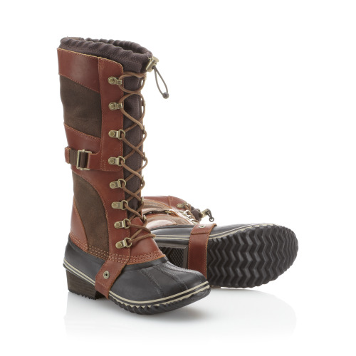 Don't be afraid to go the distance in these adventure-ready @sorelfootwear boots from their fall collection!
