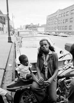 rjt4:Harlem woman on her bike, Life magazine