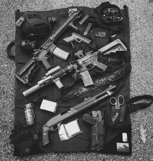 kit black and white