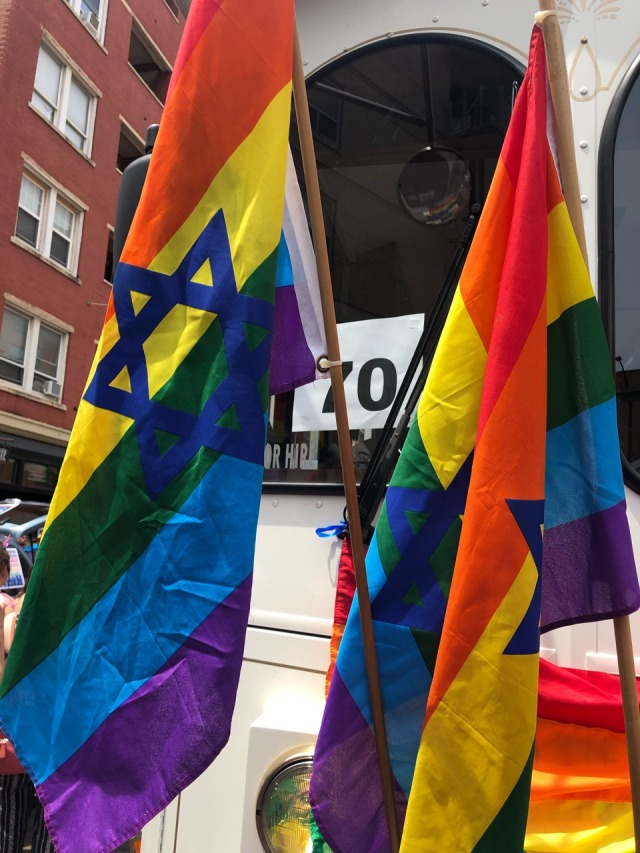 Jewish-kulindadromeus: So these two queer enby Jews got FUCKING DRENCHED today