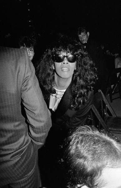 donna summer paparazzi giant sunglasses