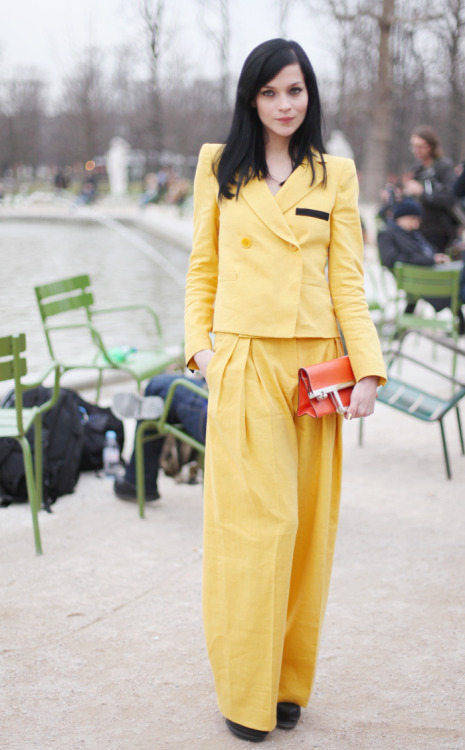 women& 039;s suit ysl yellow pantsuit blazer fashion week france italy Vanessa Jackman