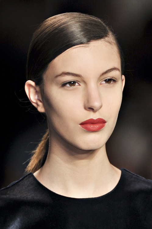 5 Sleek Runway Hairstyles to Wear to Your Holiday... | Birchbox